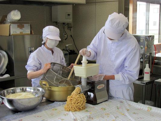 味噌作り作業1