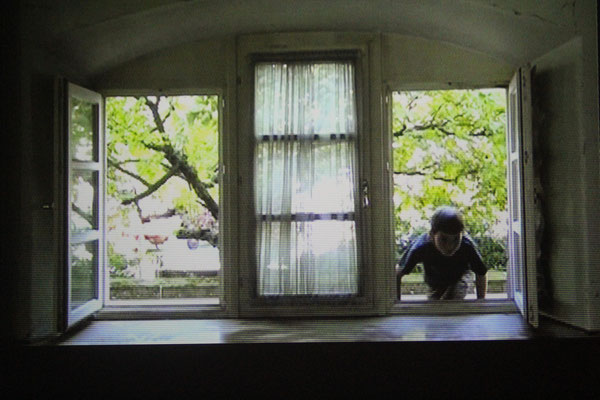 "Still aus den Filmen ""windows in/out"""