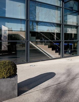 Gussasphalt Vorplatz, Huemer Dr Institut