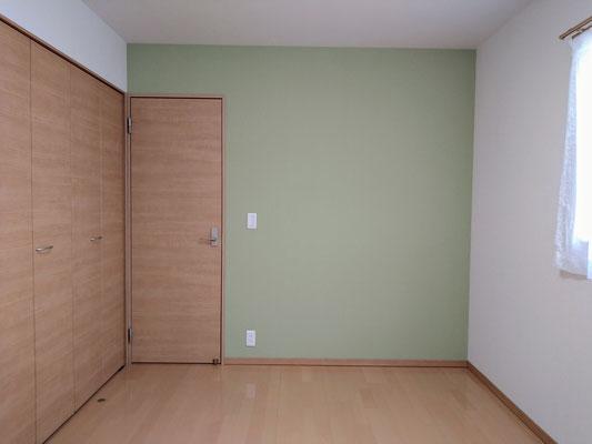 イクメンリフォームによる岐阜県岐阜市の住宅の激安クロス張替え