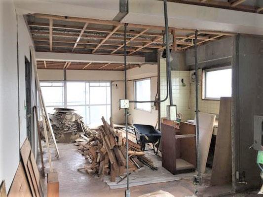 イクメンリフォームによる、愛知県名古屋市のアパートの激安リフォーム工事中!