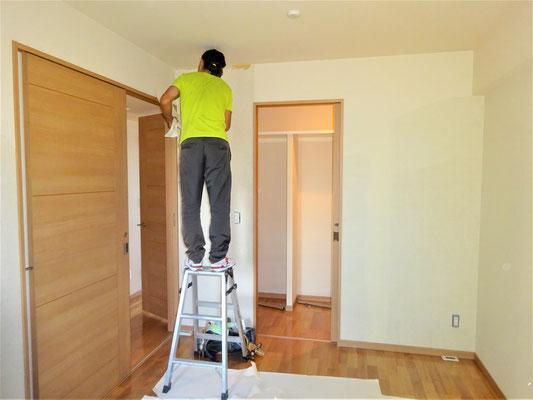 イクメンリフォームによる、愛知県長久手市のマンションの激安壁紙クロス張替え