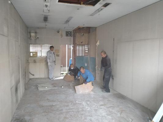 イクメンリフォームによるネイルサロンの新規開業店舗の内装工事