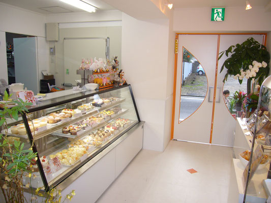 愛知県名古屋市 新規のケ-キ店の内装工事