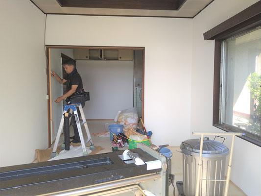 岐阜県羽島郡笠松町の空き家対策の激安クロスの張替え
