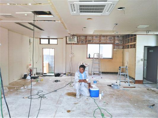イクメンリフォームによる、愛知県一宮市の新規開業店舗の激安内装・リフォーム工事