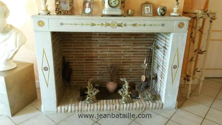 Glaçis sur motifs de décoration de cheminée