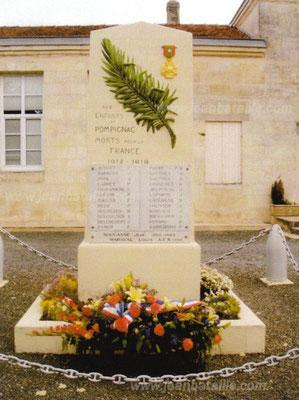 Rénovation sur monument aux morts : Lettres gravées peinte en or et peinture de la palme