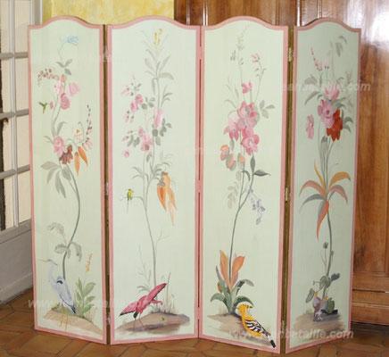 Paravent de 1,80m x 1,65m en 4 panneaux , marouflage d'une toile de lin et décor