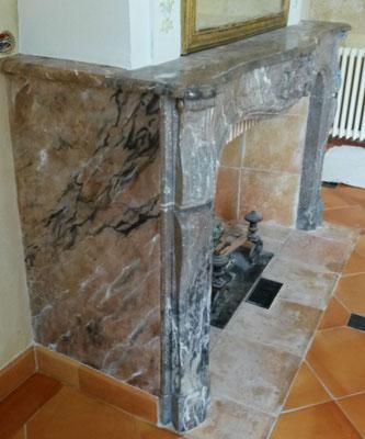 Joues de cheminée en faux marbre