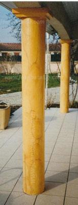colonne en béton en  faux-marbre Jaune de Sienne allégé