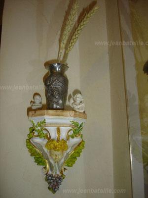 Petite console décorative en plâtre