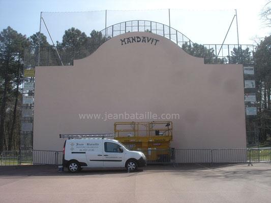 Création et réalisation d'un fronton de pelote basque sur mur en ciment