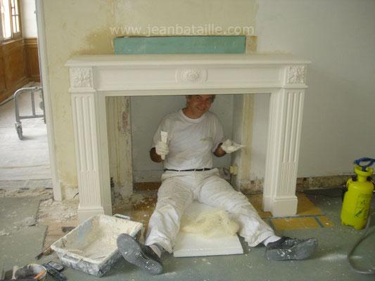 Pose d'une cheminée en staff