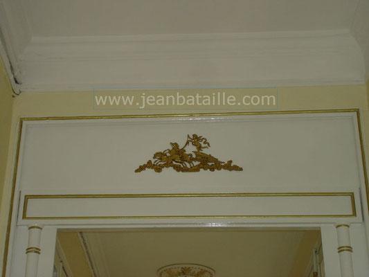 Liserets peint en or sur laque brillante