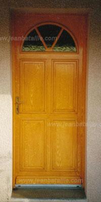 porte en pvc en faux bois imitation chêne clair
