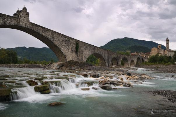 Ponte gobbo sul Trebbia (Bobbio)