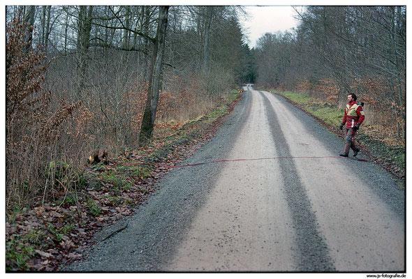 Die Fluchtfährte des Wildes hält sich nicht an befestigte Wege.