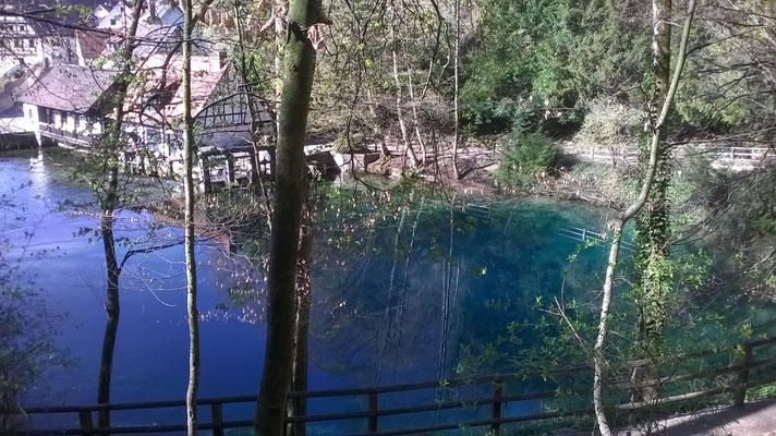 Blautopf in Blaubeuren am 23. Apr. 2021