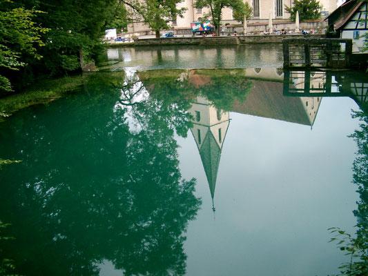 Blautopf mit Kloster in Blaubeuren