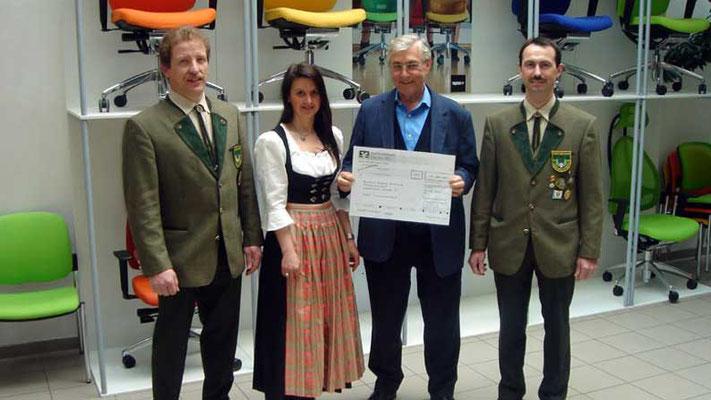 """Schützenverein Hubertus, Langenneufnach. Erlöse aus dem """"Tag der offenen Tür 2006"""""""