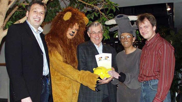 """Chor Jericho, Mittelneufnach 2006. Aufführung des Musicals """"Immanuel, Immanuel"""" zu Gunsten der Stiftung"""