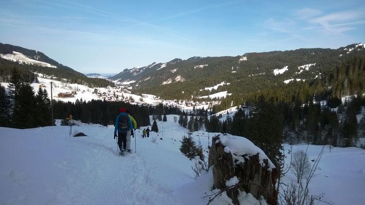 Abstieg von der Holzegg wieder nach Brunni