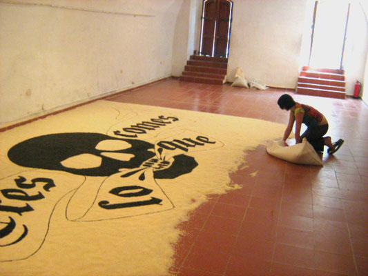 Eres lo que comes (You are what you eat), 2009. Rice and beans. 3.60 x 6m
