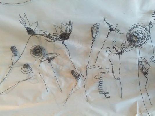 aktuelles Mitmachprojekt: Drahtblumenwiese von und mit  Kerstin Degen