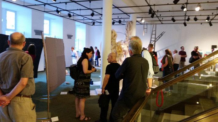 Besucher der Ausstellungseröffnung, Foto: Nataliy Schenkmann