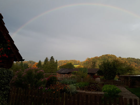 Impressionen der schönen Landschaft - Jordi-Hof Bewirtung und Übernachtung auf dem Bauernhof in Ochlenberg