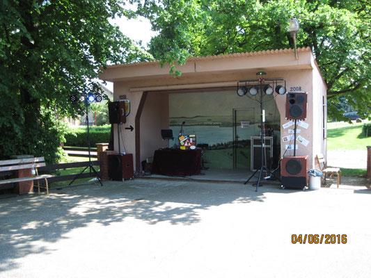 Bei Dorffesten erlebe ich immer wieder neue Bühnen.