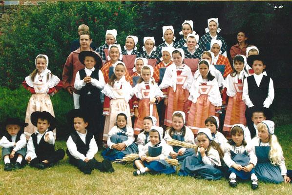 AVEL DRO - BAGAD PAGAN - Pardon de Brendaouez - 2001 - Cercle Enfrants