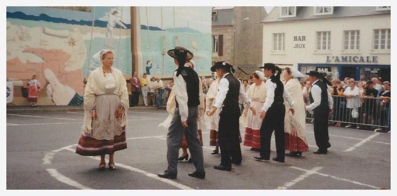 Avel Dro Bagad Pagan - Représentation Guisseny 1997