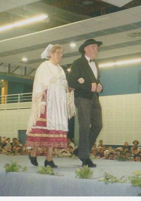 Avel Dro Bagad Pagan - Défilé de mode à Saint Renan 1998
