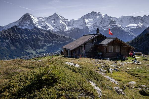Lobhornhütte mit Eiger Mönch und Jungfrau -L53-
