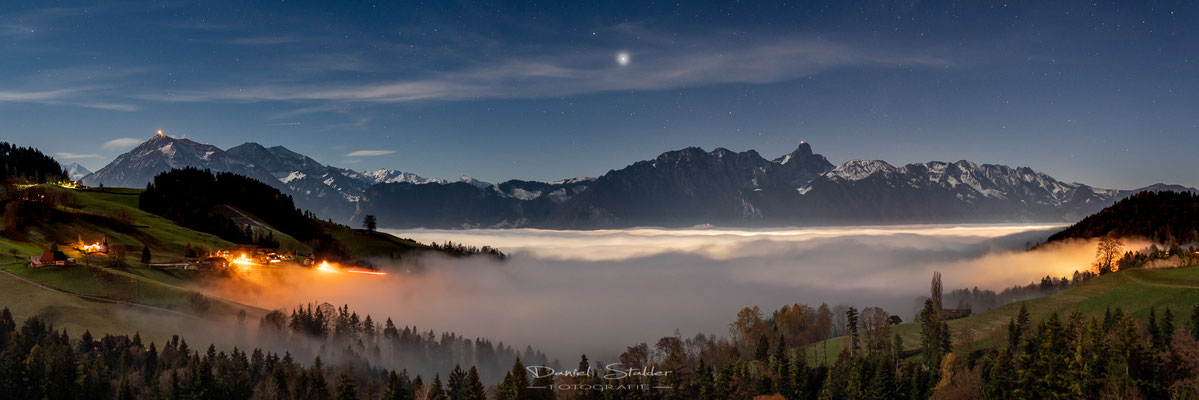 Sicht von Goldiwil über dem Nebelmeer