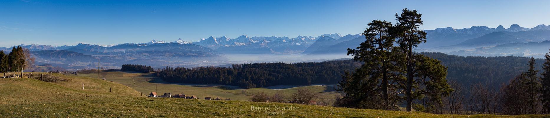 Panorama Berner Alpen von Bütschelegg