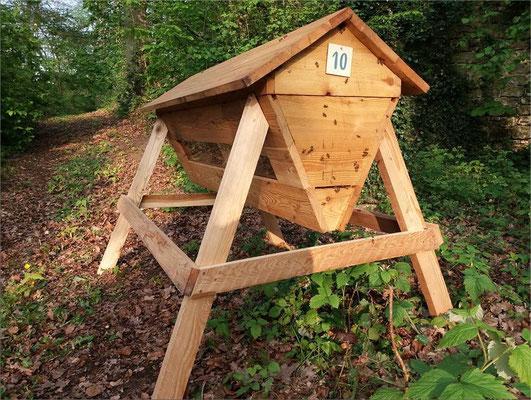 La ruche horizontale des jardins d'Aywiers ( Belgique )