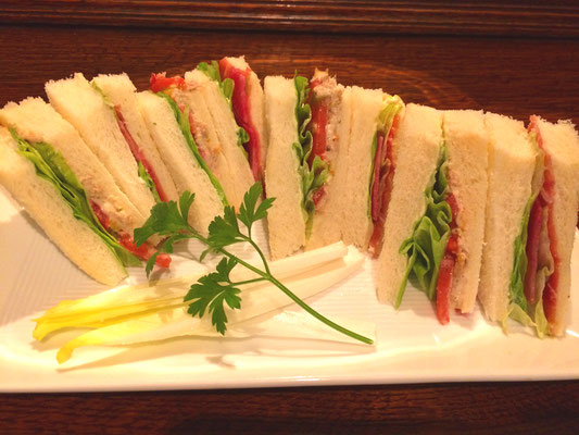 シェフ特製サンドイッチ