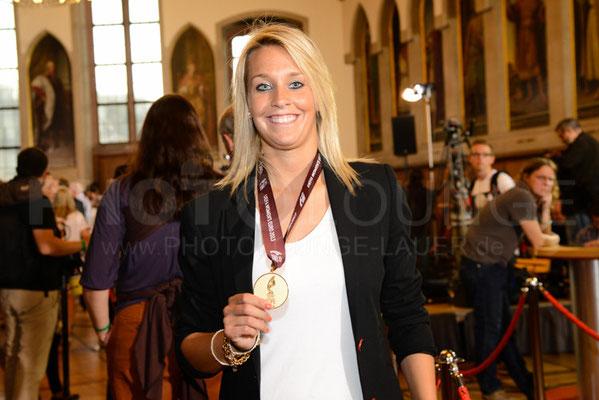 Lena Goeßling, Empfang der Europameisterinnen in Frankfurt, © Karsten Lauer