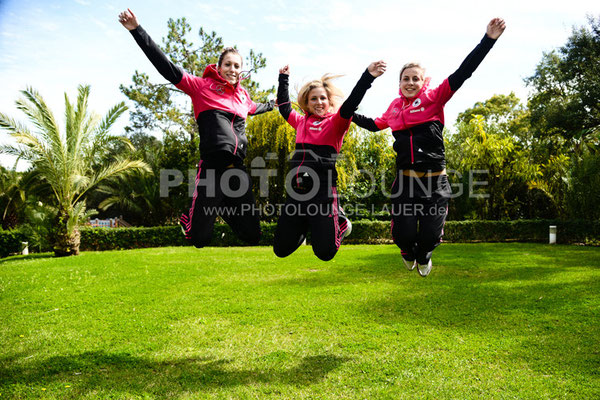 Svenja Huth, Jennifer Cramer und Verena Faißt beim Algarve Cup 2013; © Photolounge-Lauer