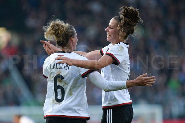 Simone Laudehr und Melanie Leupolz - Deutschland vs Brasilien 4:0 - Fotograf Karsten Lauer / www.photolounge-lauer.de