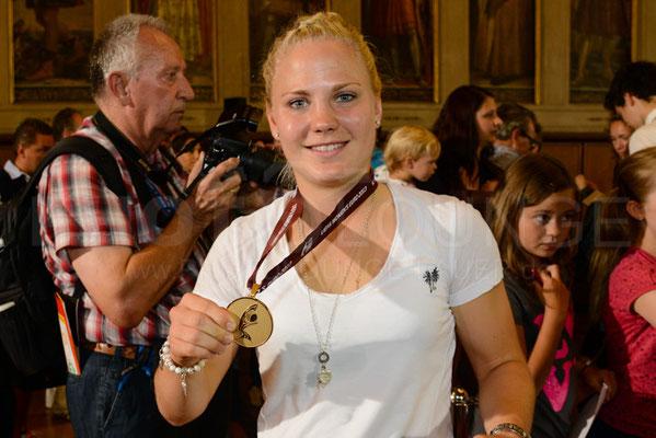 Leonie Maier, Empfang der Europameisterinnen in Frankfurt, © Karsten Lauer