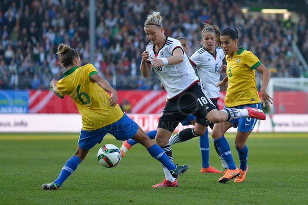 Alexandra Popp - Deutschland vs Brasilien 4:0 - Fotograf Karsten Lauer / www.photolounge-lauer.de