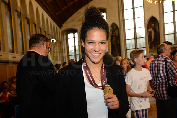 Célia Okoyino da Mbabi Empfang der Europameisterinnen in Frankfurt, © Karsten Lauer