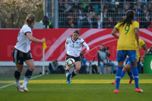 Annike Krahn - Deutschland vs Brasilien 4:0 - Fotograf Karsten Lauer / www.photolounge-lauer.de
