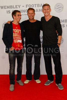 """Philipp Lahm, Til Schweiger und Bastian Schweinsteiger bei der Filmpremiere von """"Wembley - Football Is Coming Home"""""""