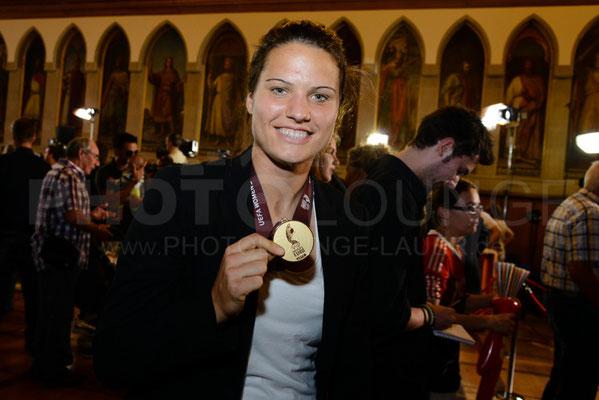 Dzsenifer Marozsán, Empfang der Europameisterinnen in Frankfurt, © Karsten Lauer