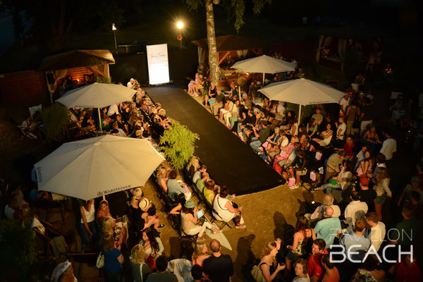 """Fashion on the Beach"" im Pavillon Fürstenfeldbruck"